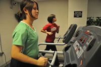 running while pregnant on a treadmill